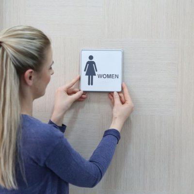 6-x-6-restroom-sign-for-woman-aluminum (3)