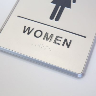 6-x-8-restroom-sign-for-woman-with-braille-aluminum (3)