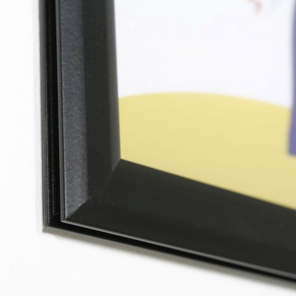 8-5x11-slide-in-frame-1-inch-black-mitred-profile-double-sided (4)