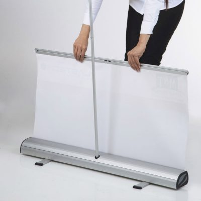 optima-roll-banner-24x7874-with-bag (10)