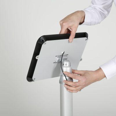view-angle-adjustable-ipad-kiosk-black (5)