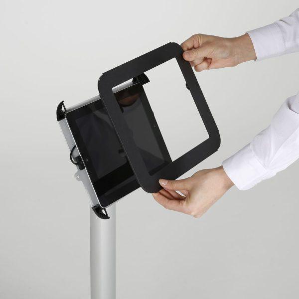 view-angle-adjustable-ipad-kiosk-black (8)