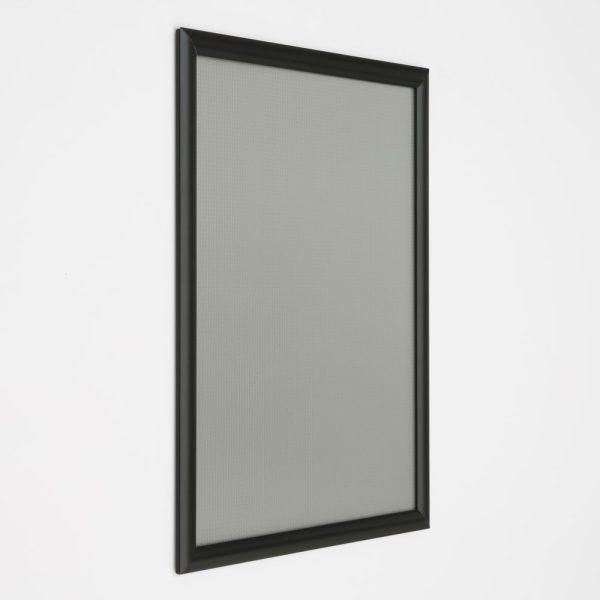 16x20-snap-poster-frame-1-inch-black-profile-mitred-corner (4)