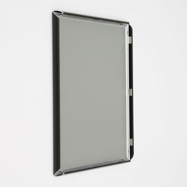 16x20-snap-poster-frame-1-inch-black-profile-mitred-corner (5)