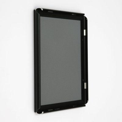 8-5x11-snap-poster-frame-059-inch-black-profile-mitred-corner4