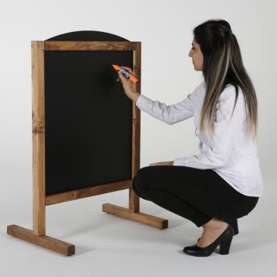 maki-freestanding-wind-resistant-sidewalk-sign-magnetic-chalkboard-dark-wood-235-31 (5)