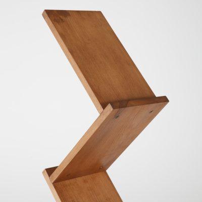 zick-zack-literature-holder-brochure-display-stand-dark-wood-85-11-5-pockets (4)